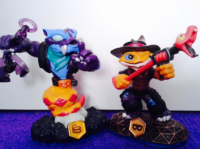 As you may have gathered, the gimmick for 'Swap Force' in that they can swap. Pictured are Trap Shadow and Rattle Shake who swap to become Trap Shake and Rattle Shadow.